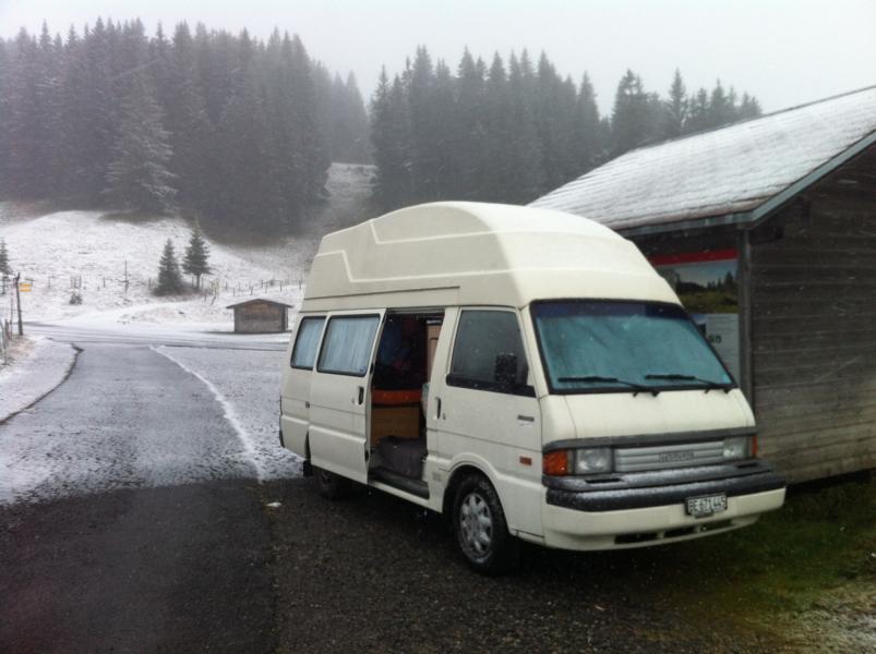 Erster Schnee für Tschuppet