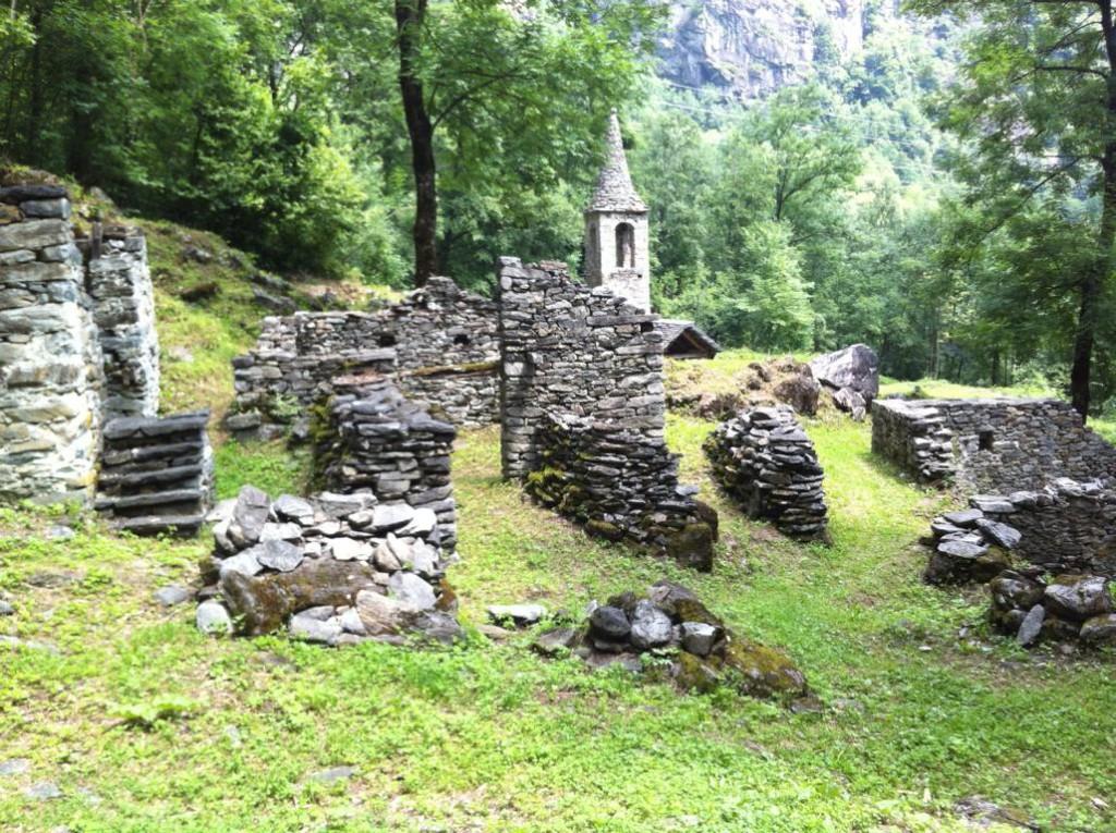 Steinsiedlung im Bavonatal