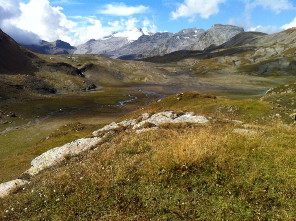 Der Blick vom Rawilpass ins Walliser Hochtal Alpage du Rawil